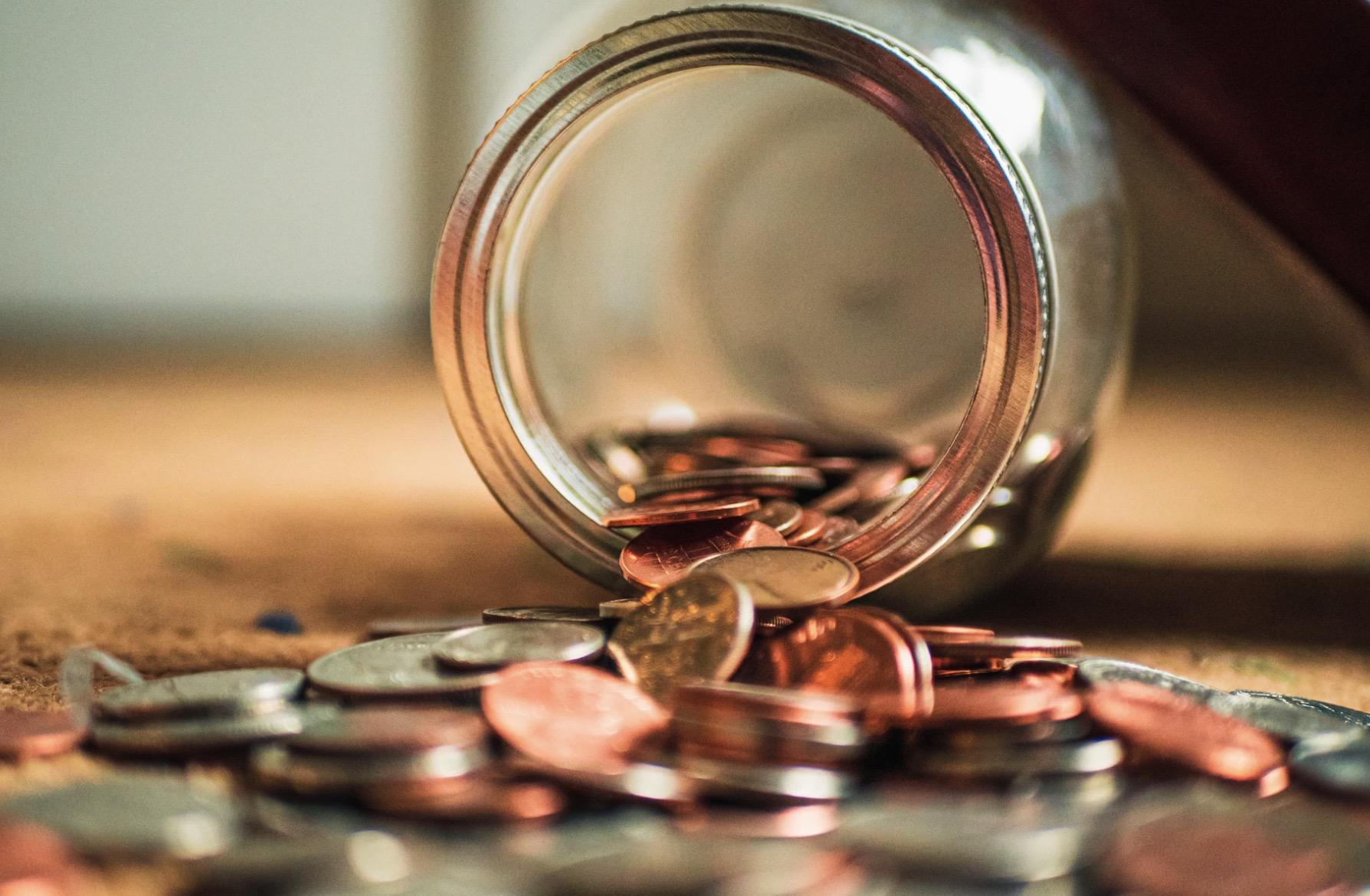 【ミニマリストの節約術】一人暮らしでも貯金できる5つのステップ!