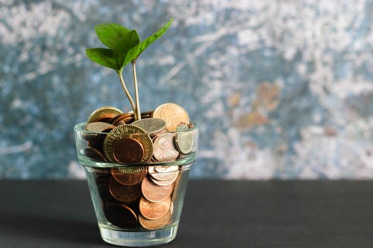 【ミニマリストの貯金術】具体的な8つの方法と考え方を徹底解説!