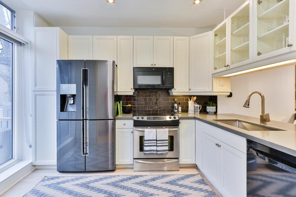 【ミニマリストの冷蔵庫】すっきりさせるコツ&おすすめ冷蔵庫